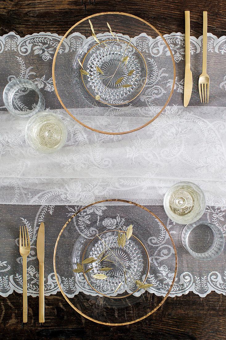 Gedeckter Tisch Mit Glastellern Buy Image 13170470 Living4media