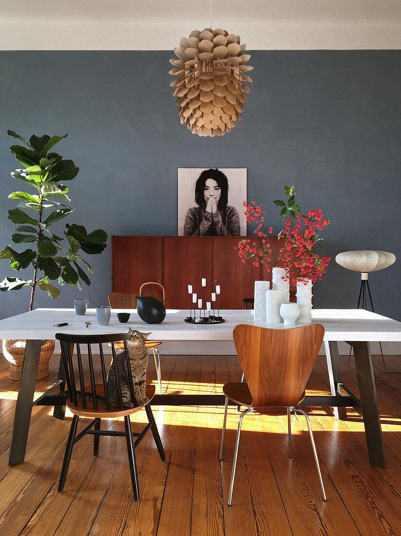 Deko Im Mid Century Stil Und Blaue Wand Bild Kaufen 13189976 Living4media