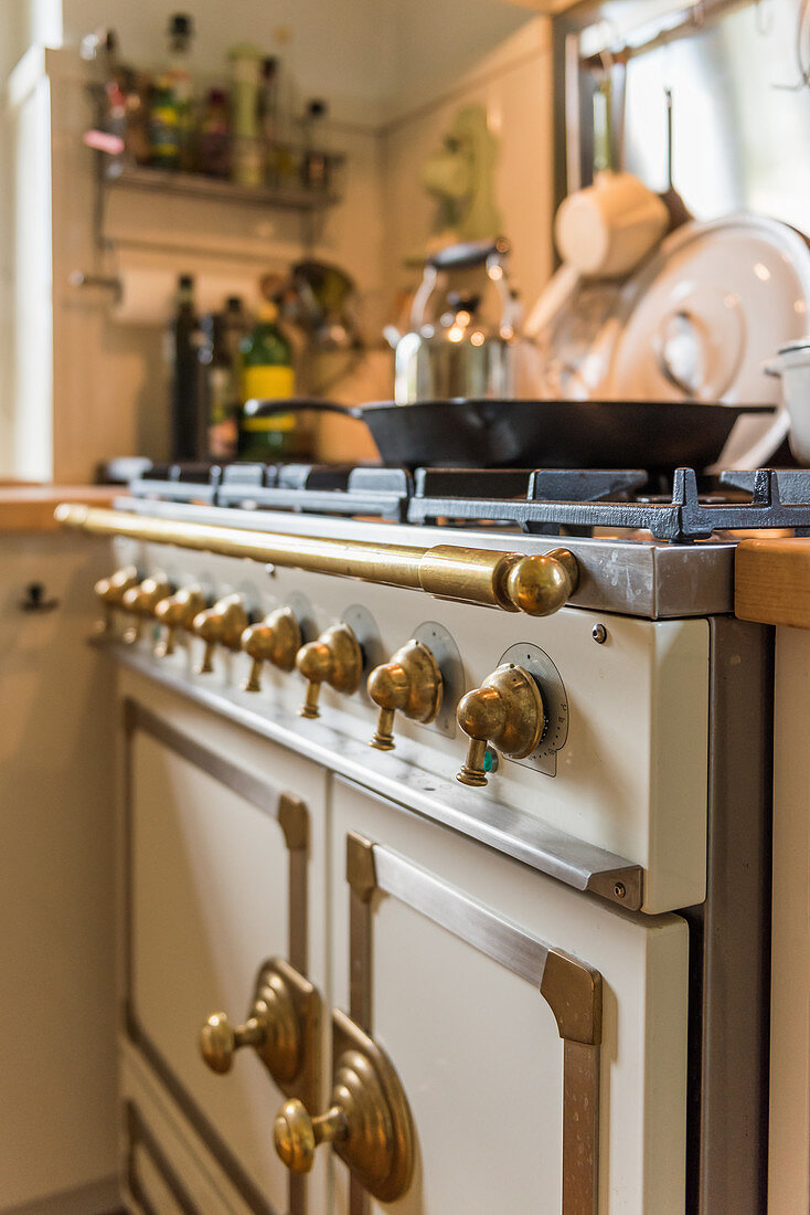 Vintage-style gas cooker