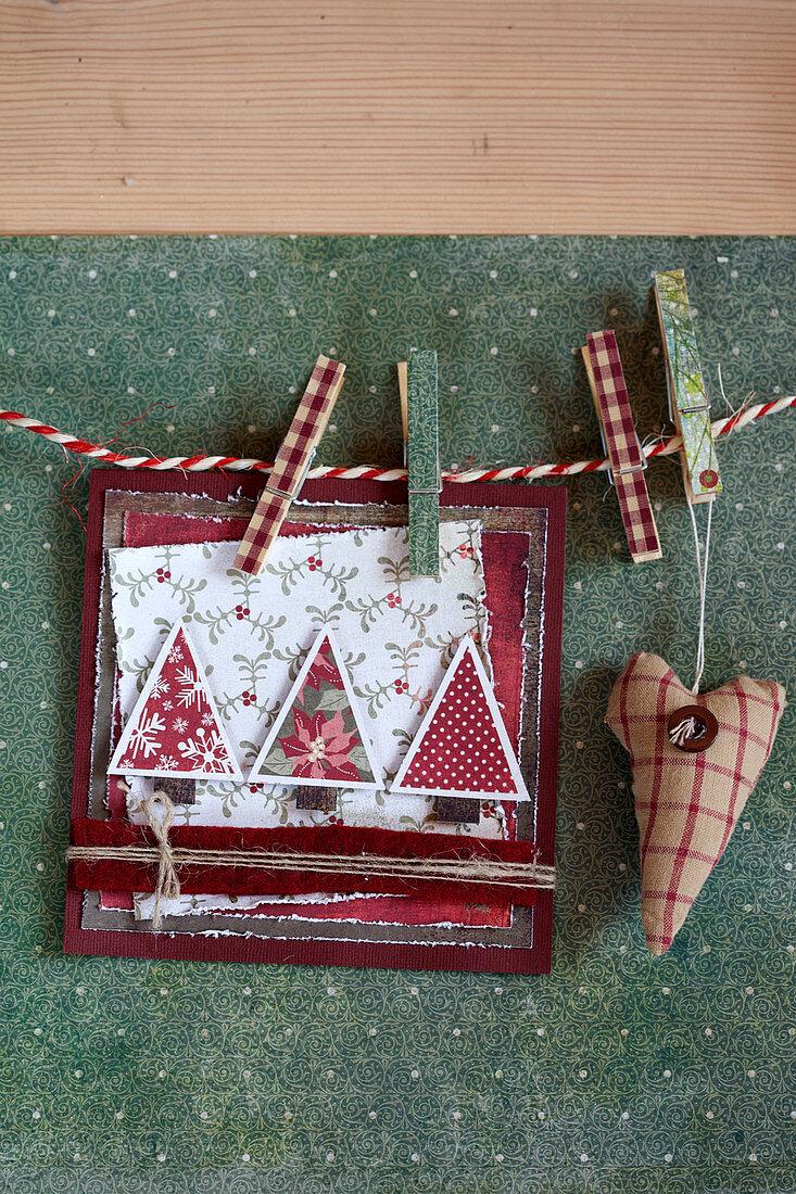 DIY-Weihnachtskarte mit Tannenmotiv
