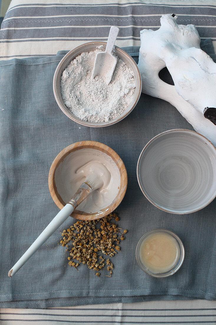 Gesichtsmaske aus Heilkreide herstellen