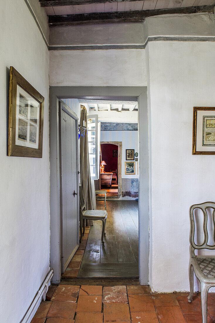 Hallway with passage
