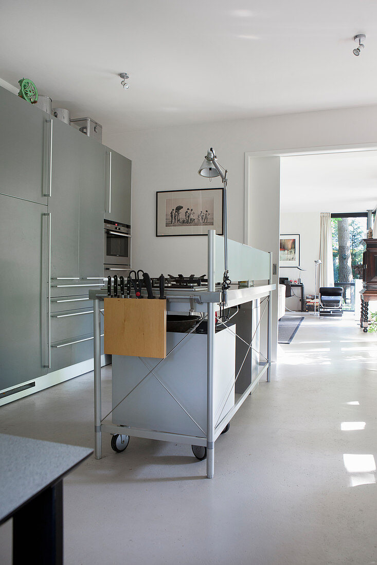 kücheninsel im industriestil in … - bild kaufen - 13288452