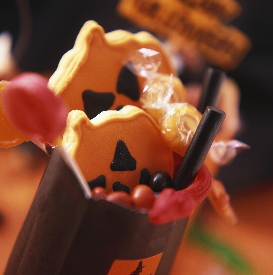 Gift bags with sweets and biscuits for Halloween
