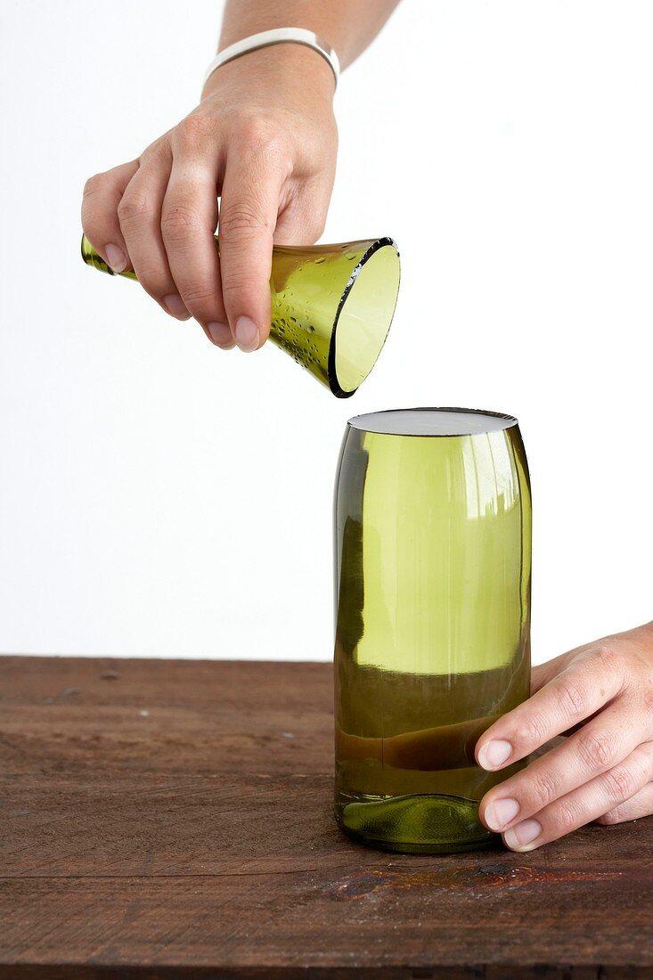 Flasche mit abgetrenntem Flaschenhals