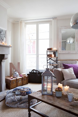 Cosy, candlelit living room