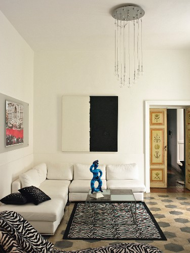 Eclectic Italian living room with tiled floor