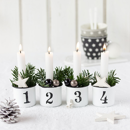 Hand-made Advent wreath in enamel mugs