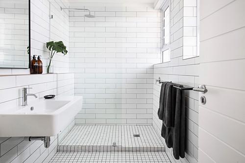 White Subway Tiles And Frameless Gl