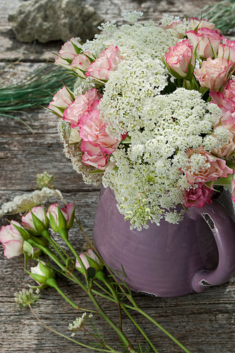 Bouquet of roses and Queen Anne's lace