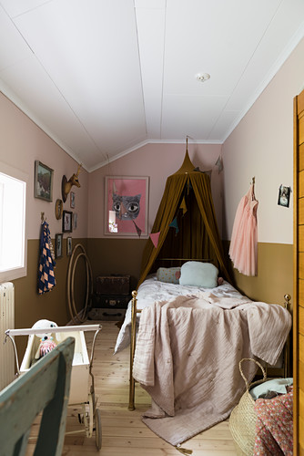 Small child's bedroom with two-tone walls