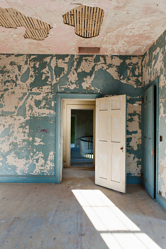 Derelict rooms in abandoned house