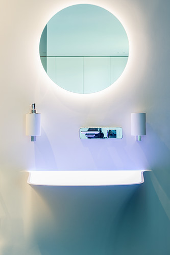 Round Mirror With Indirect Lighting In Buy Image 12605632 Living4media