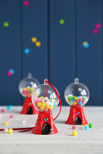 Miniature bubblegum machines as whimsical Christmas-tree decorations