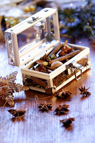 Spices used as Christmas decoration