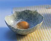 Eierschale aus handgeschöpftem Papier
