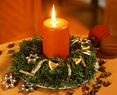 Small Advent wreath with orange candle
