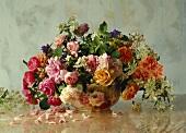 Blumenstrauss mit alten Rosensorten,Philadelphus,Wiesenkerbel