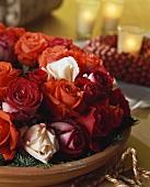 Weihnachtliches Rosengesteck