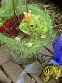 Bouquet of roses with sisal and frog