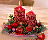 Bowl with Advent arrangement and candles