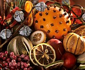 Potpourri with citrus fruit and pink pepper