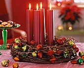 Advent wreath of larch twigs with metallic candles & baubles