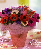 Arrangement of sisal and Anemone coronaria