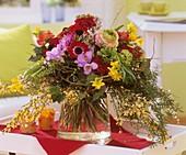 Arrangement of spring flowers (Anemone, narcissi, Ranunculus)