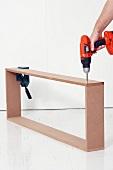 Wandkonsole selber bauen (Holzrahmen mit Akkuschrauber zusammenschrauben)