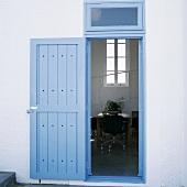Ein Haustür mit Blick nach Innen