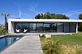 Villa Nalu, architect-designed house, Southern France