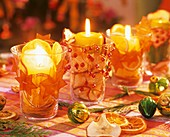 Table decoration: windlights with Advent decorations