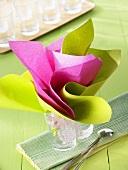Napkin folding design: 'Bouquet of flowers'