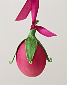 Decorated Easter egg (an 'aubergine')