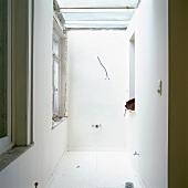 Ein leerer Raum während einer Renovierung