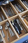 Cutlery drawer