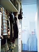Eine Garderobe