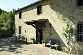 A Tuscan stone house from the 17 century