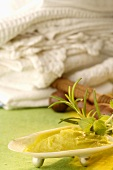 fussbalsam mit lavendel salbei und rosmarin. Black Bedroom Furniture Sets. Home Design Ideas