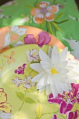 Summer party decorations: water lily, paper plates