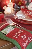 Christmas place-setting and Christmas decorations (USA)