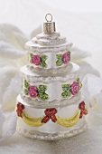 Christmas tree ornament (three-tiered cake)