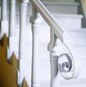 White banister rail