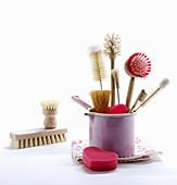 Verschiedene Bürsten für die Reinigung