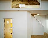 Flurbereich mit Treppe & Glaswand