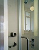 Shower cubicle with glass doors