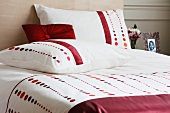 Spotted bed linen