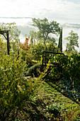 Mediterraner Garten mit Fernblick