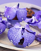 Muffins topped with vanda orchids